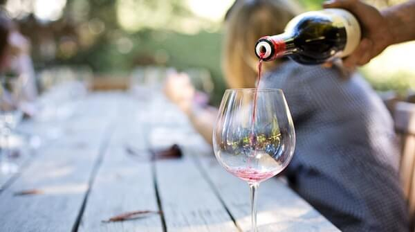 Ways to improve immunity-keep alcohol consumption moderate