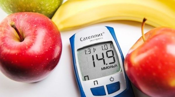 Intake of lots of fruits and fresh juices will help to avoid hypoglycemia (low blood sugar content in the body).