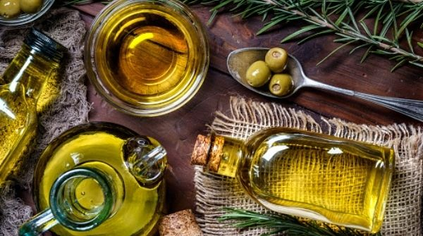 How to Reduce Cholesterol & ldl cholesterol levels can be solved with olive oil as it is very healthy and helps to control ldl cholesterol levels.